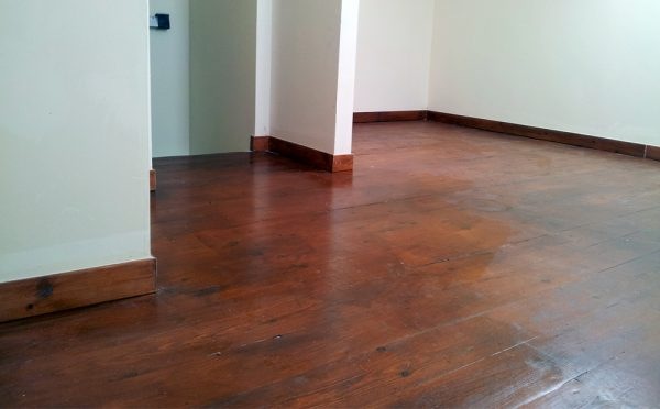 רצפת עץ גלריה