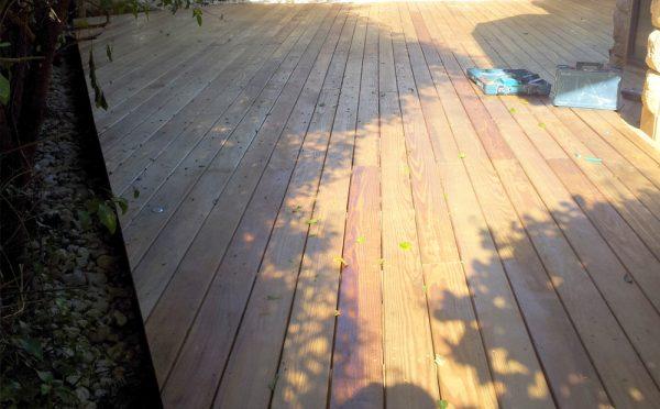 רצפת עץ לאחר צבע בונדקס