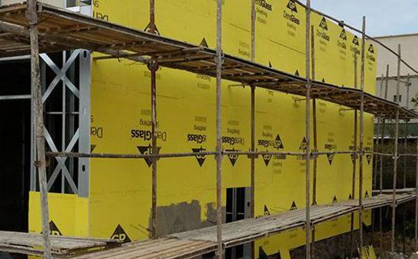 בנייה בגבס בקיר חיצוני